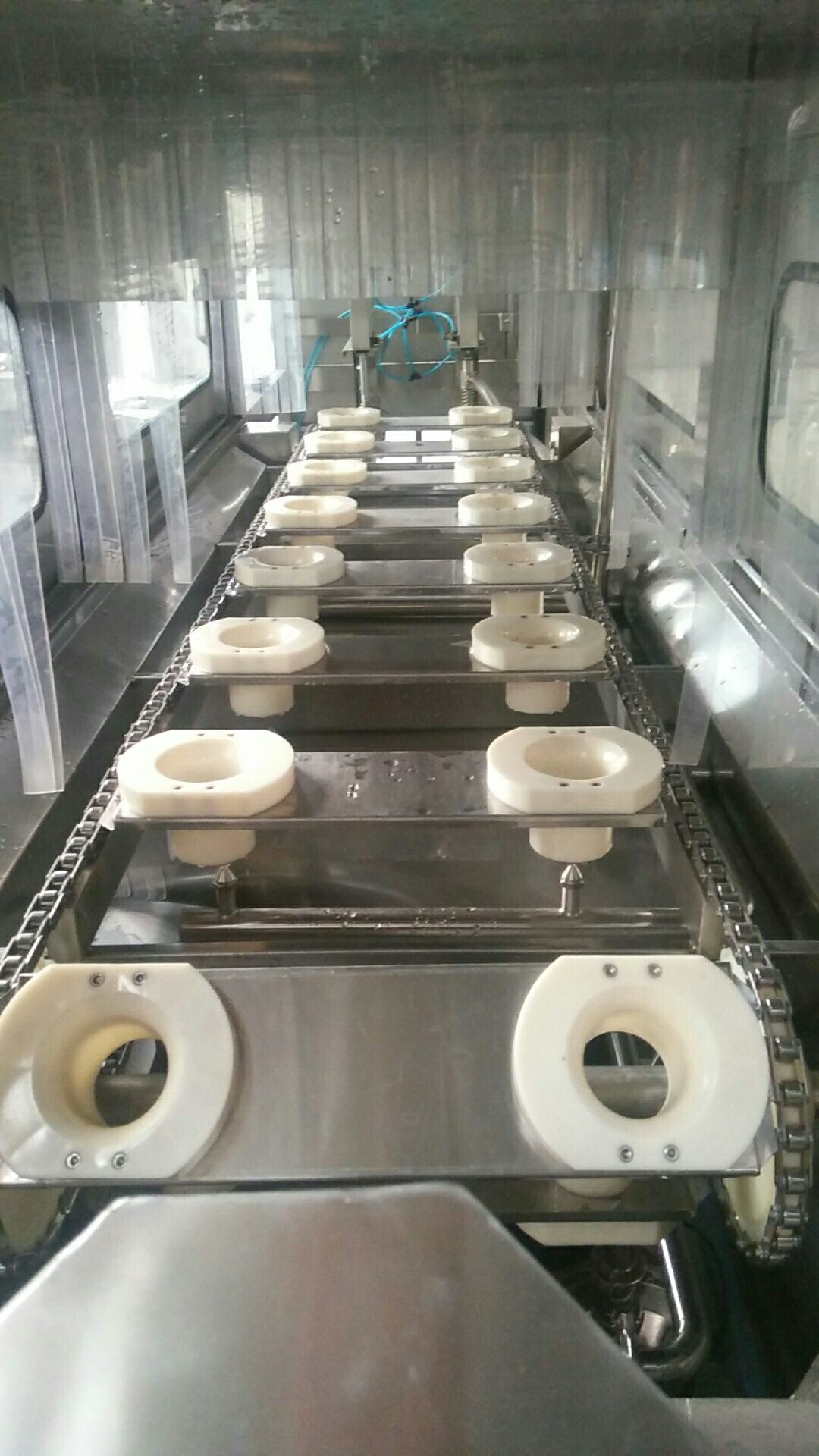 washing stations of rinsing system